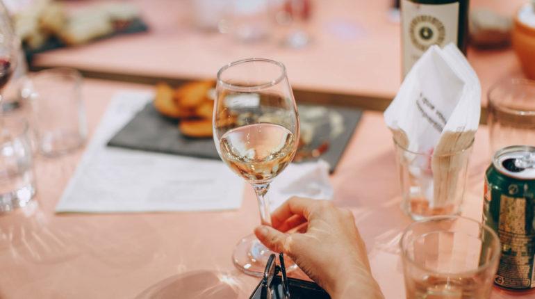 I vini bianchi italiani sono i più venduti (e amati!) al mondo